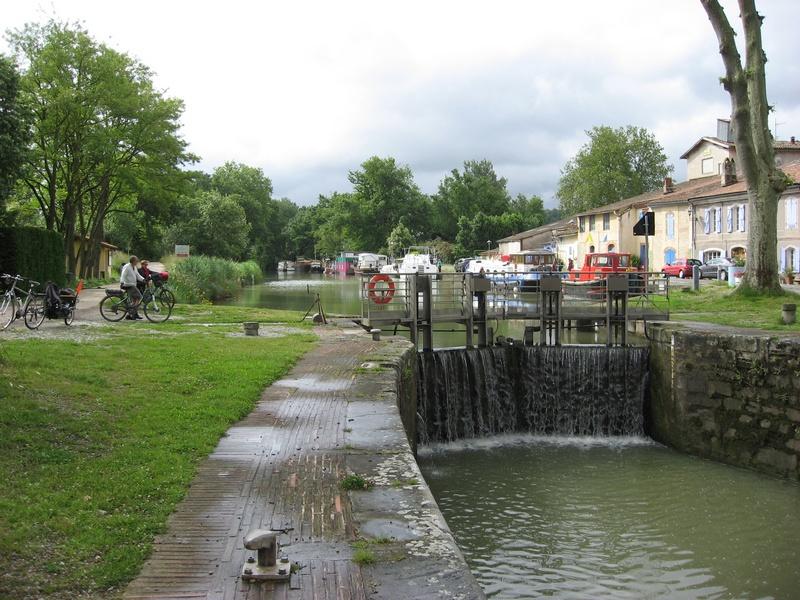 Ecluses le long du canal du Midi; Gardouch